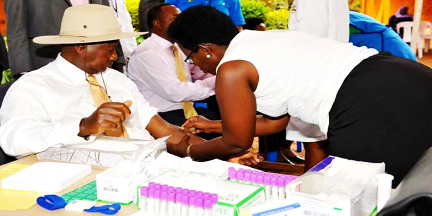 https://www.globalfundccm.org.ug/wp-content/uploads/2014/01/president-museveni-and-wife-janet-kataha-tests-for-HIV.jpg